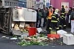 V odpoledních hodinách došlo k nehodě trolejbusu a dodávky na rohu ulic Tylova a Skrétova. Náraz dodávku převrátil na bok. Trolejbusová doprava musela být v tomto místě zastavena