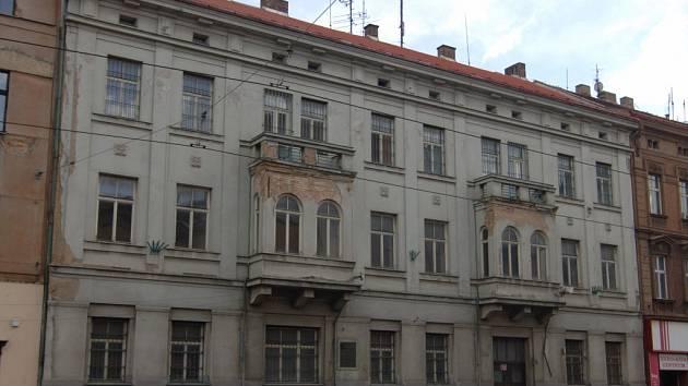 Dům na Klatovské třídě, kam by se mělo přestěhovat Muzeum generála Pattona