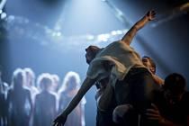 Svěcení jara v podání studentů Konzervatoře Duncan, jež s nimi připravil choreograf Jiří Bartovec, bude uvedeno 15. června v DEPO2015