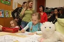 Při čekání na zápis se děti v 15. základní škole v Plzni-Skvrňanech nenudily
