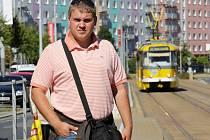 Plzeňské dopravní podniky se k rozjezdu kampaně rozhodly na základě výsledků průzkumů, které hovořily o nárůstu neplatičů. Autor článku strávil v dopravních prostředcích několik  hodin