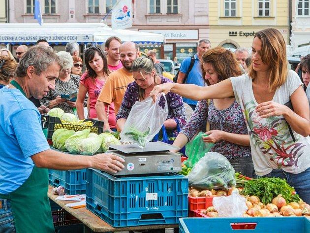 Farmářské trhy na náměstí Republiky vPlzni