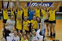 Neskutečnou radost měly po nečekaného zisku stříbrných medailí volejbalové kadetky Slavie VŠ Plzeň.