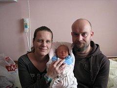 Honzík (3,15 kg, 48 cm) se narodil 14. února v 6:22 v plzeňské fakultní nemocnici. Svého prvorozeného syna přivítali na světě rodiče Radka a Josef Jeřábkovi ze Záluží