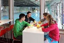 Otevření nové restaurace v plaveckém bazénu na Slovanech