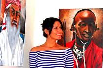 Tváře z iných světů, teré plzeňskou malířku Adélu Tas (na  snímku) zaujaly na cestách, si budou moci zájemci prohlédnout od 3.března v  klubu Carpe diem na Vinohradech