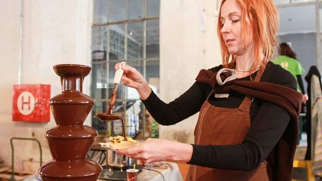 Velkým lákadlem pro mlsné jazýčky byla čokoládová fontána.