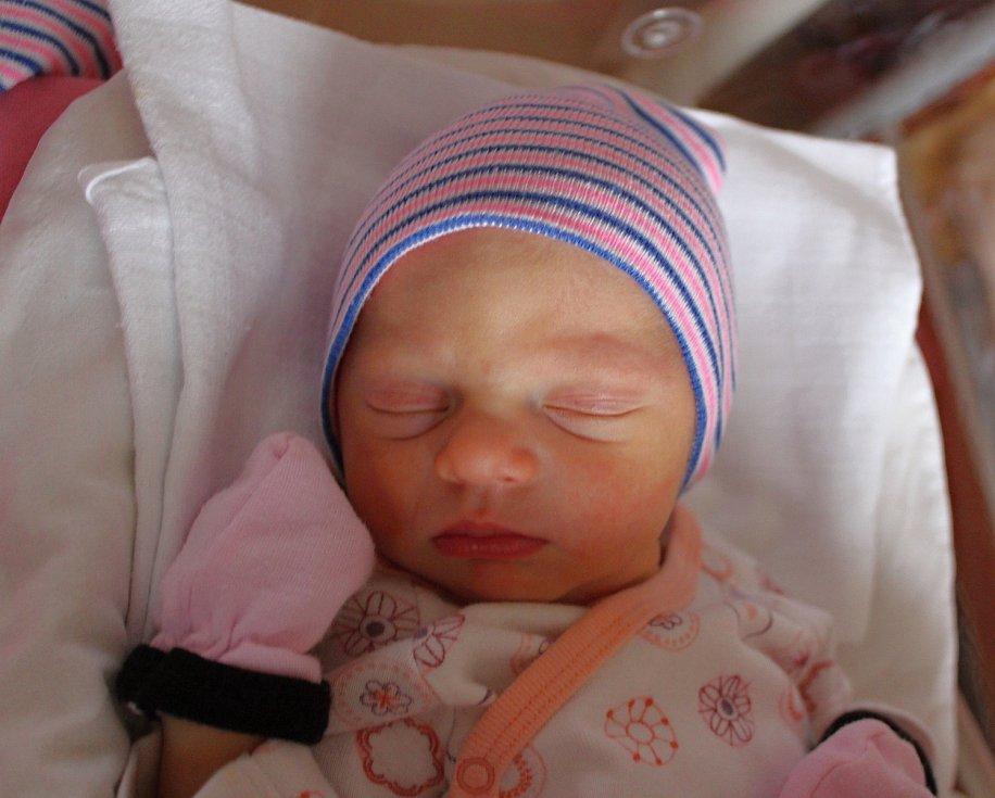 Aimeé Lédlová se narodila 22. října ve 22:49 mamince Lucii a tatínkovi Honzovi z Plzně. Po příchodu na svět ve Fakultní nemocnici na Lochotíně vážila jejich prvorozená dcerka 2770 gramů.