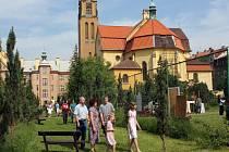 Klášterní zahrada dominikánů na Jiráskově náměstí se otevírá veřejnosti jen výjimečně. I s její proměnou počítá projekt rekonstrukce náměstí