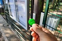 Na dětské hřiště v Malesicích se bez elektronického klíče lidé nedostanou.