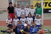 Vítězky poháru ČR 2009 v kategorii mladších žákyň se svými trenérkami Vendulou Šmídlovou a Andreou Loukotovou