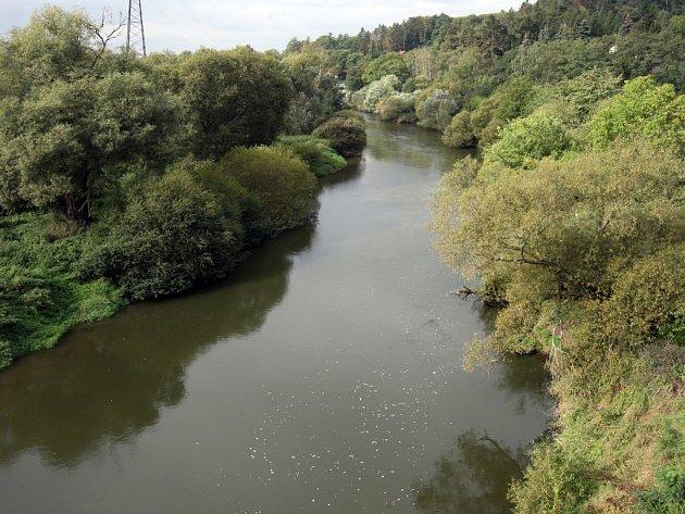 Řeka Berounka v Plzni na Bílé Hoře