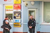 Maskovaný muž přepadl poštu na Klatovské třídě