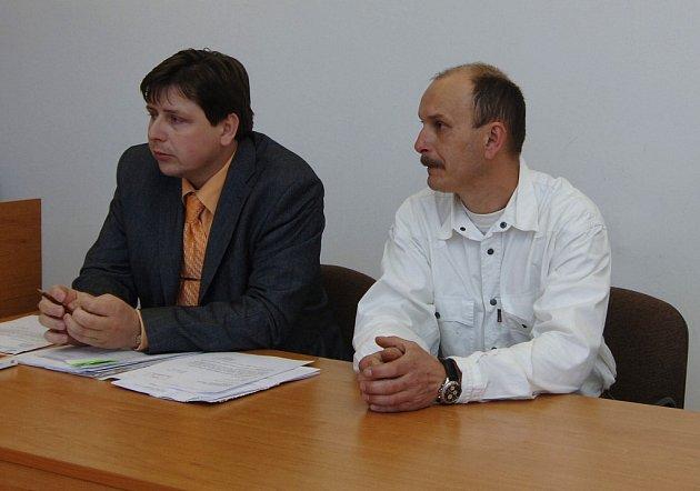 Obžalovaný Josef Hochman (vpravo) se svým advokátem