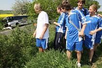 Nehoda autobusu, který vezl mladé fotbalisty