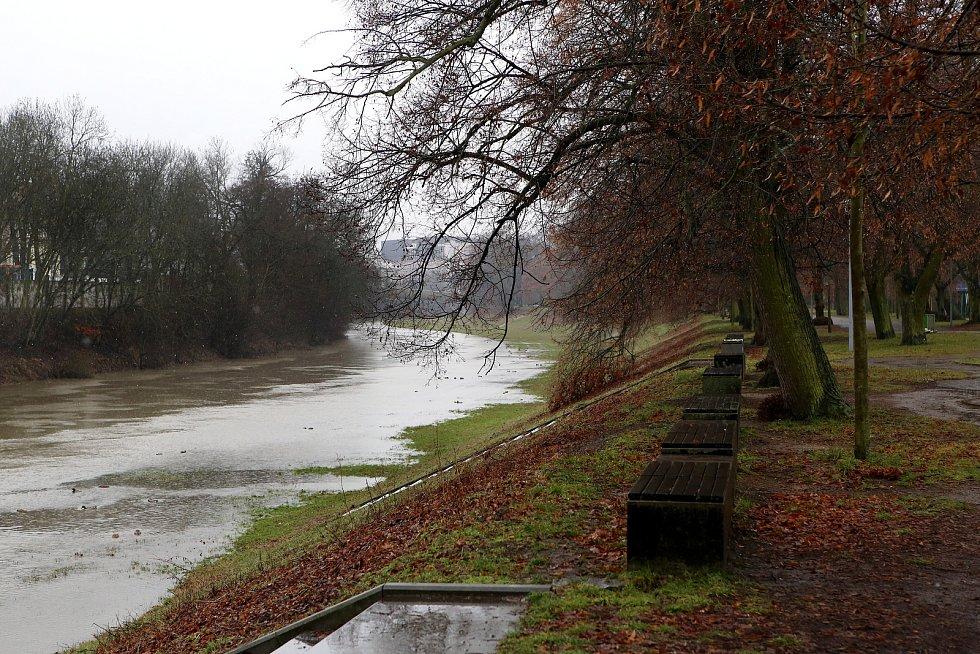 zvednutá hladina řeka Radbuza Štruncovy sady