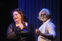 Ze zkoušky opery Medea. Ivana Veberová jako Medea a  Philipe Castagner v roli Iásona.