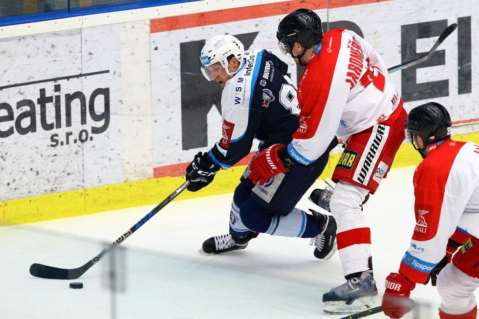 2018. I o dva roky později byli úspěšnější plzeňští hokejisté, už s Tomášem Mertletm v sestavě.
