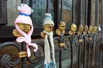 Oblečení andělíčci na náměstí Republiky v Plzni