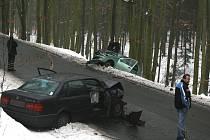 Nehoda šesti aut mezi Zábělou a Chrástem