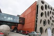 Nové divadlo - Kompletně bezbariérová budova, na mapě tedy bude zelená