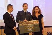 Jeden z úspěšných projektů programu Prazdroj lidem - Připomínka letců RAF z Karlova