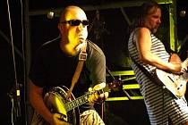 Semtex zahraje hymnu Gambrinus dne. Vlevo lídr kapely Lukáš Krásný, vpravo autor hudby k hymně Michal Röhrich.