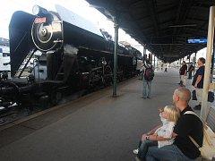 Parní lokomotiva Šlechtična na plzeňském nádraží