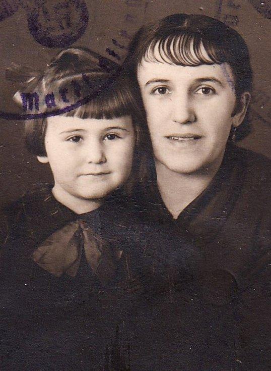 Karolina Čermáková s matkou.