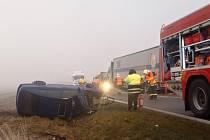 Nehoda na několik hodin zablokovala provoz na silnici I/27