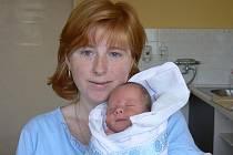 Honzík Loubek (3,50 kg, 53 cm) zChotíkova se narodil 10. prosince v10.55 hod. vMulačově nemocnici vPlzni. Radost zdruhorozeného chlapečka mají rodiče Hana a Jan a také bráška Milánek, kterému brzy budou 4 roky
