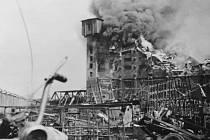 Hořící sklad modelů, nejvyšší budova celých Škodových závodů