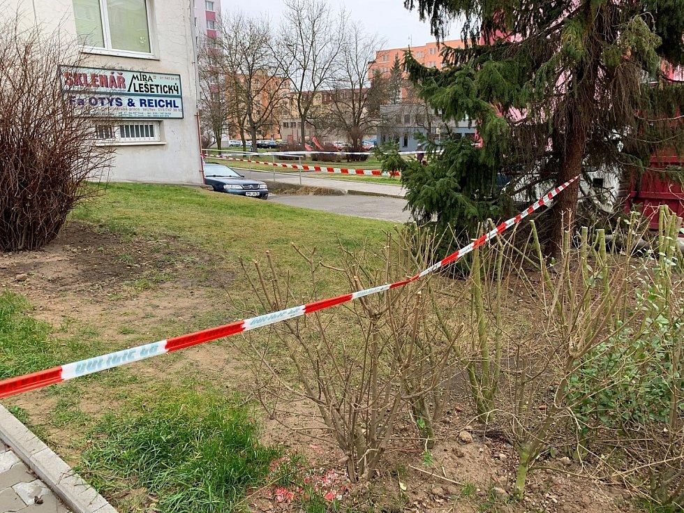 Místo tragédie v Těšínské ulici v Plzni