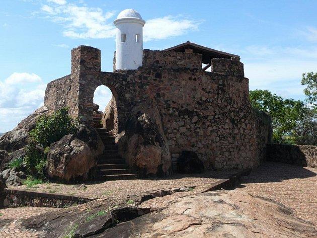 Fortín El Zamuro, koloniální pevnost stojící na kopci, které se po bojích v 1903 zmocnil venezuelský diktátorJuan Vincente Gomez