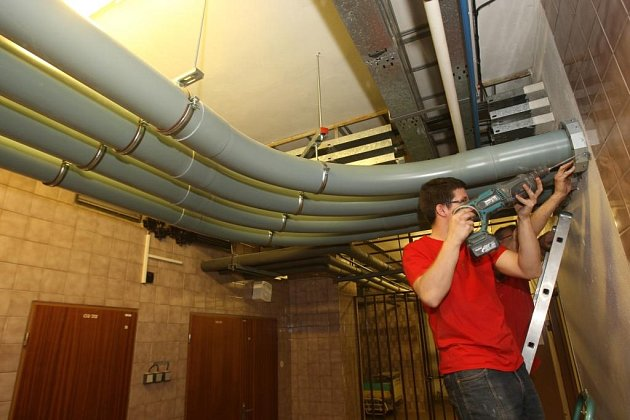 Příprava systému potrubní pošty ve fakultní nemocnici v Plzni na Lochotíně