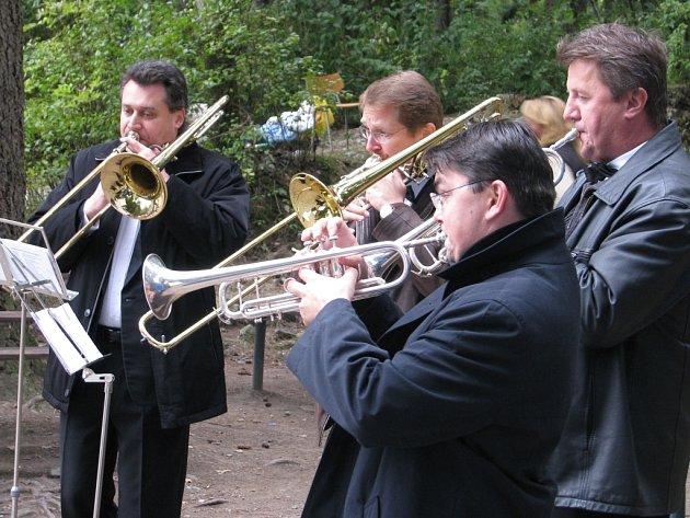 Radoušovy hry zahajovali trubači