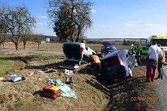 Při nehodě na křižovatce Všeruby - Kokořov se bočně střetla dvě osobní auta.