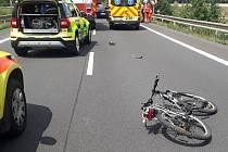 Při dopravní nehodě u Chotíkova zemřel cyklista.