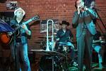 The Criketz zahráli ve Vinyl clubu.