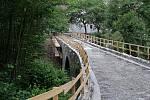 Druhý nejstarší český kamenný most v Rabštejně nad Střelou se kompletně opravuje
