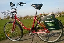 Takhle vypadají jízdní kola, jež si mohou lidé v ulicích Plzně za poplatek vypůjčit.