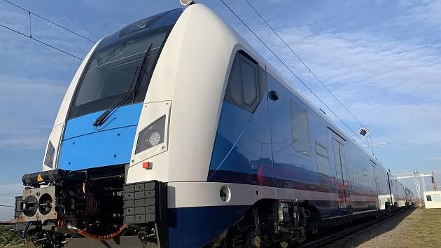 Moderní nízkopodlažní vlaky RegioPanter.