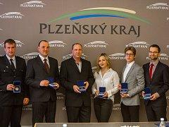 Na snímku jsou zleva Lukáš Bouda z Kanic, Václav Štengl z Milavčí, Stanislav Bočan z Hostouně a Plzeňané Kristýna Vostracká, Martin Laštovka a Petr Šafránek.