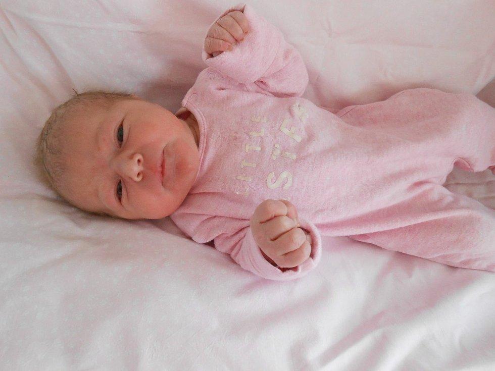 Natálie P. se narodila 6. dubna 2021 v Domažlické nemocnici. Po příchodu na svět vážila 3230 gramů a měřila 50 centimetrů.