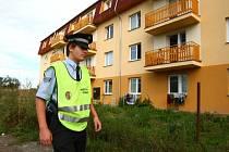 Strážníci obcházejí cizinecké ubytovny několikrát za den