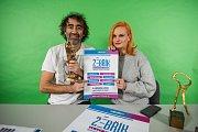Moderátory finálové show Žebříku budou Jakub Kohák a Iva Pazderková.