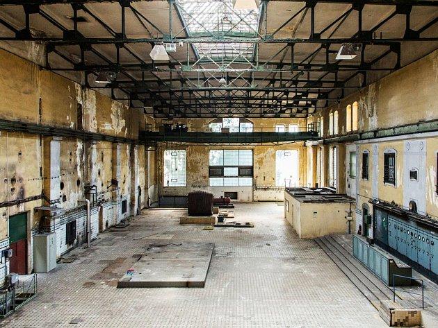 """Elektrárenský sál,  který 27. listopadu ožije, je v areálu Plzeňského Prazdroje. """"Je to takové pohádkové místo, kde se zastavil čas a vypadá pořád jako z 19. století,"""" popisuje Alice Slavíčková."""