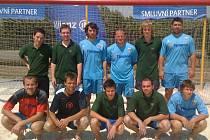Turnaj beachsoccerové ligy Allianz Plzeň open vyhrál Na Lopatárně tým Kudrnáči z Maďarska, tvořený téměř výhradně fotbalisty Rapidu