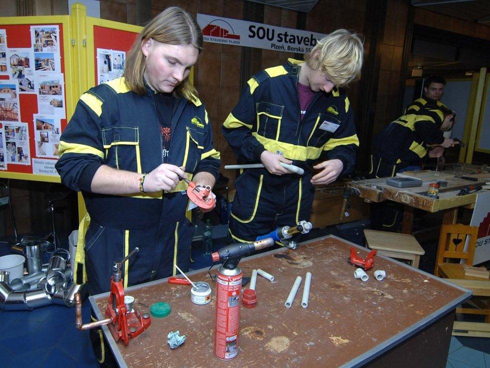 Žáky z SOU Stavebního v Plzni jejich obor baví, je to prý taková skládačka
