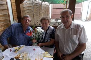 Nejstarší obyvatelka Příšova Marie Poková (na snímku uprostřed) oslavila 90. narozeniny.